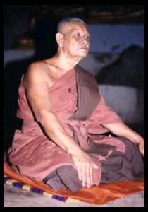 Luang-Paw-Charoen-Panchand-02